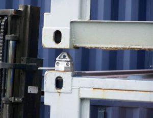 container twistlock